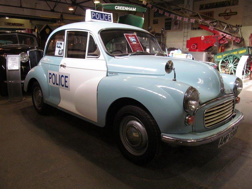 Morris Minor Saloon - Police Panda Car